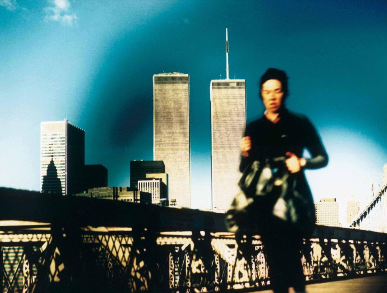 Large 26 jogger brooklyn bridge  ete 1999 by herve saint helier