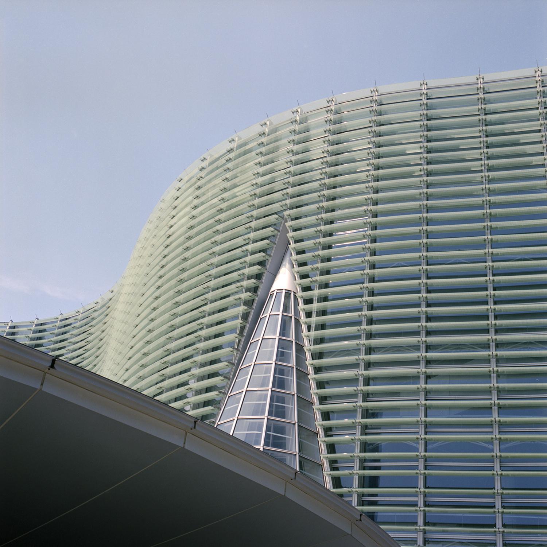 Large contemporaryartcenter
