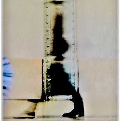 Thumb  la dame bott e  paris2017  tirage pro pigmentaire baryte hahnemuhle  cadre nielsen bois noir  40x50  passe partout fenetre 24x36  450