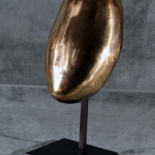 Thumb femme galet 3 2008 bronze avec socle 15x20 2 5kg